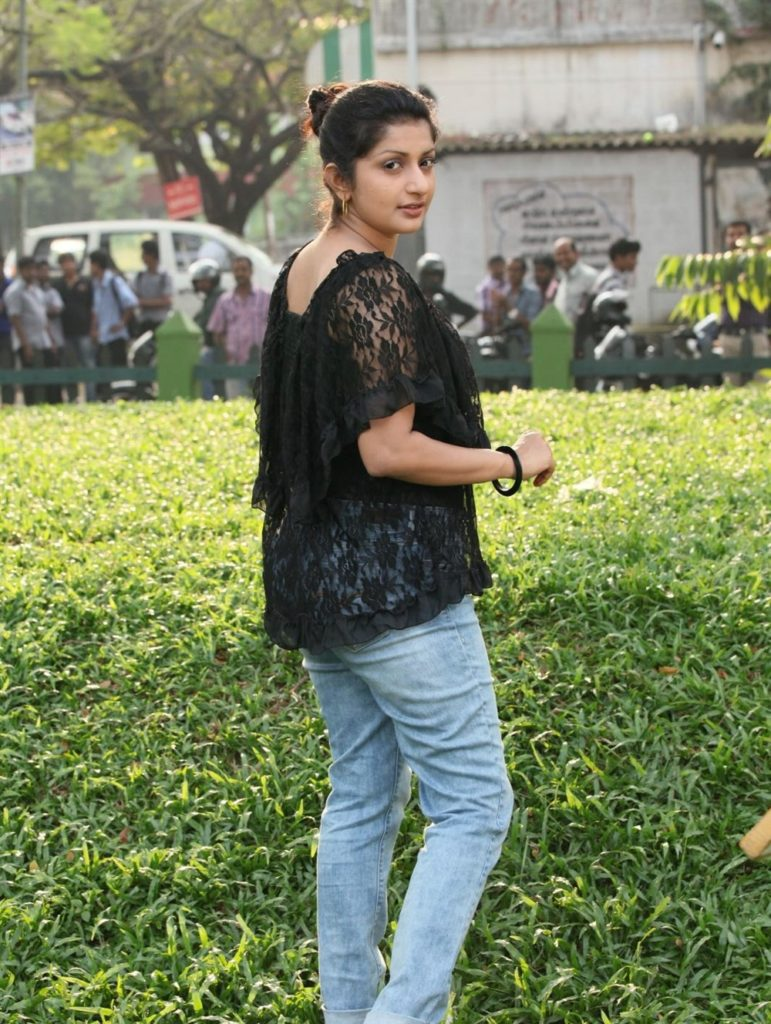 Meera Jasmine In Jeans Top Hot HD Sexy Pics