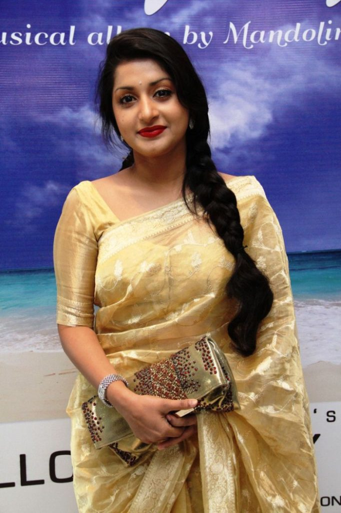 Meera Jasmine In Saree Photos