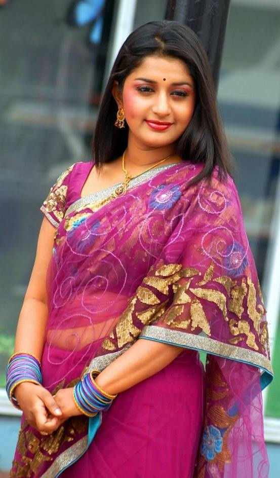 Meera Jasmine Navel Pics In Saree