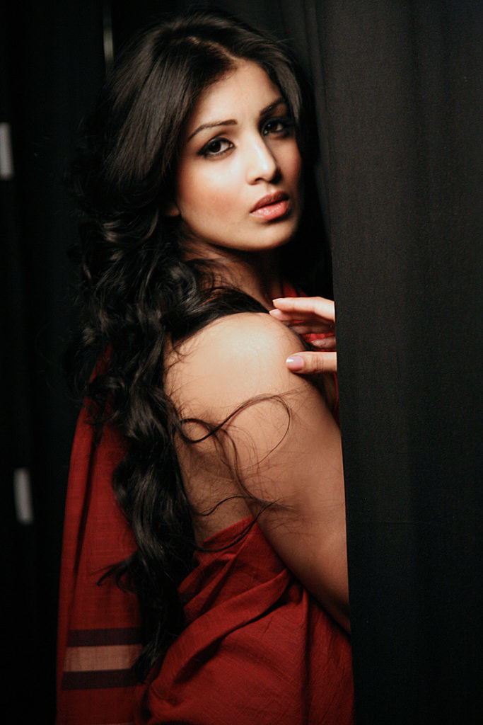 Pallavi Sharda In Backless Clothes