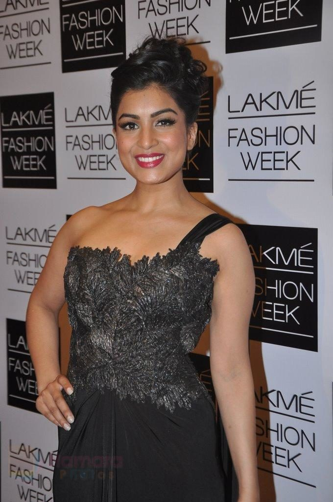 Pallavi Sharda New Pics At Awards Show