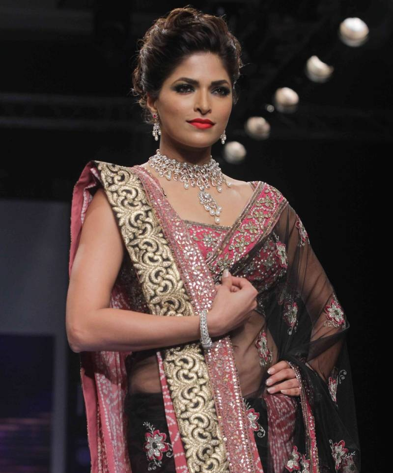 Parvathy Omanakuttan In Saree Pics At Rampwalk