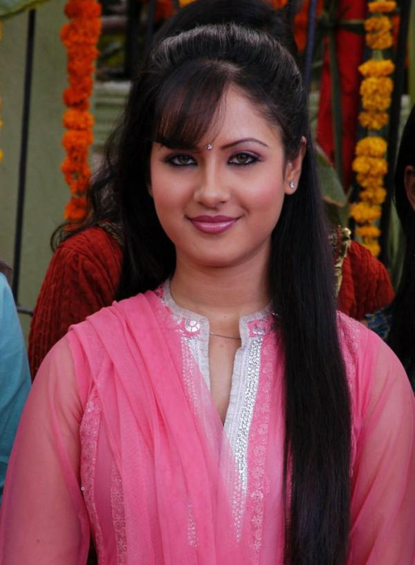 Pooja Bose Hair Style Pics