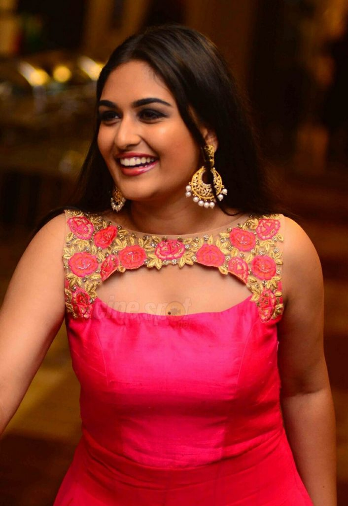 Prayaga Martin HD Pics At Awards Show