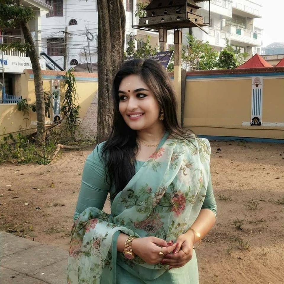 Prayaga Martin HD Pics Gallery