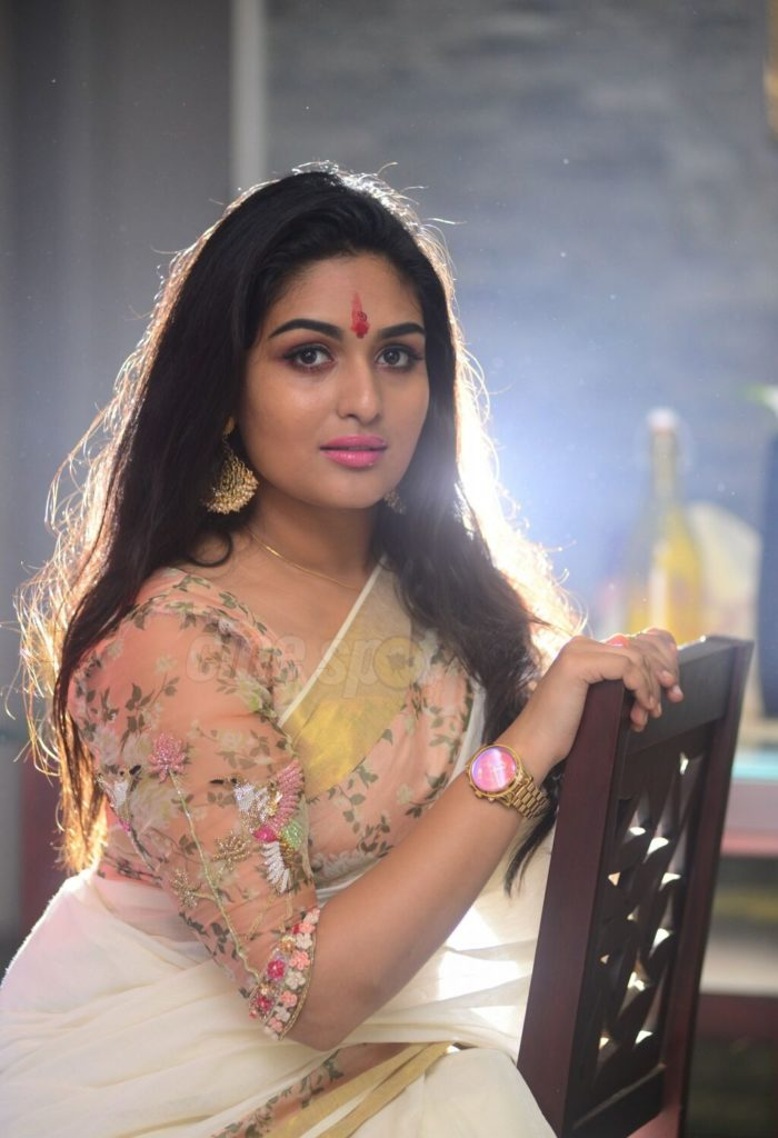 Prayaga Martin In Saree Pics Gallery
