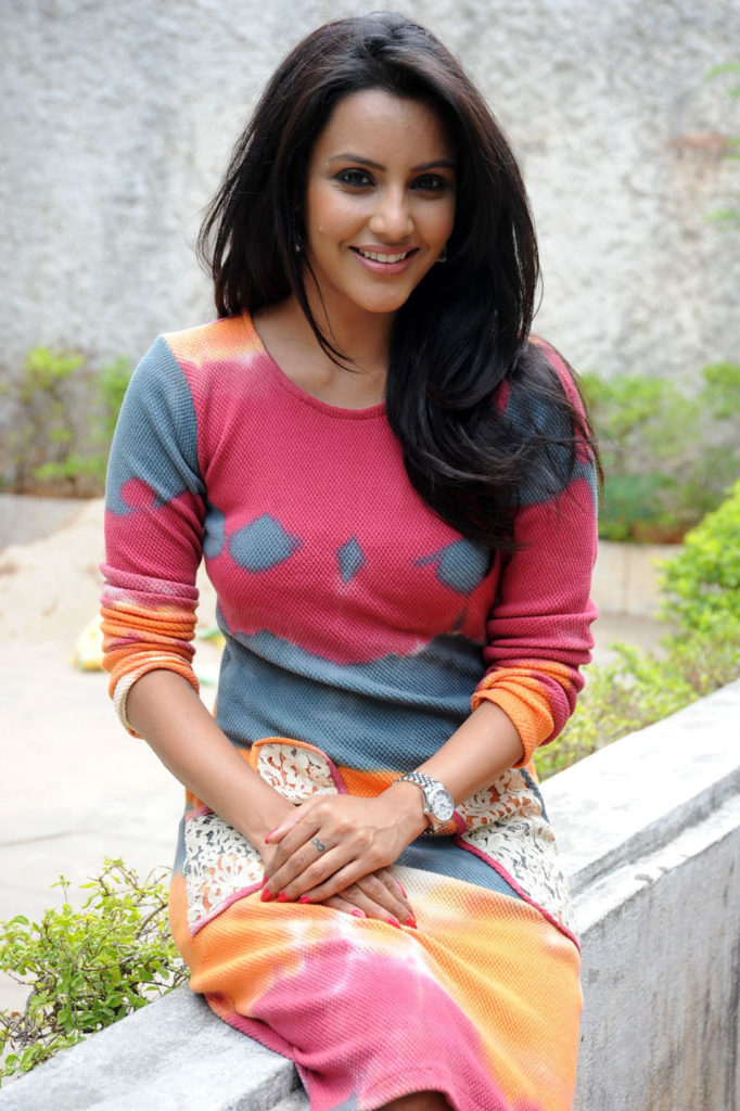 Priya Anand New Hair Style Photos