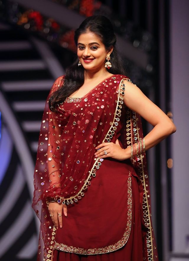 Priyamani In Red Saree Photos