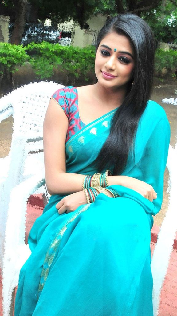 Priyamani In Saree Pics Gallery