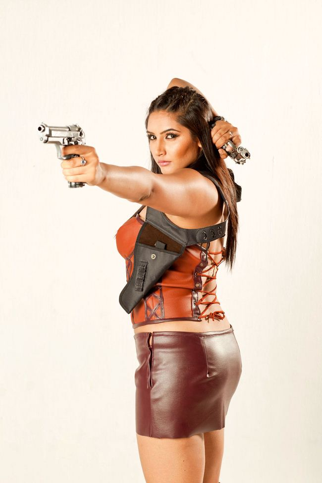 Ragini Dwivedi In Backless Clothes Images