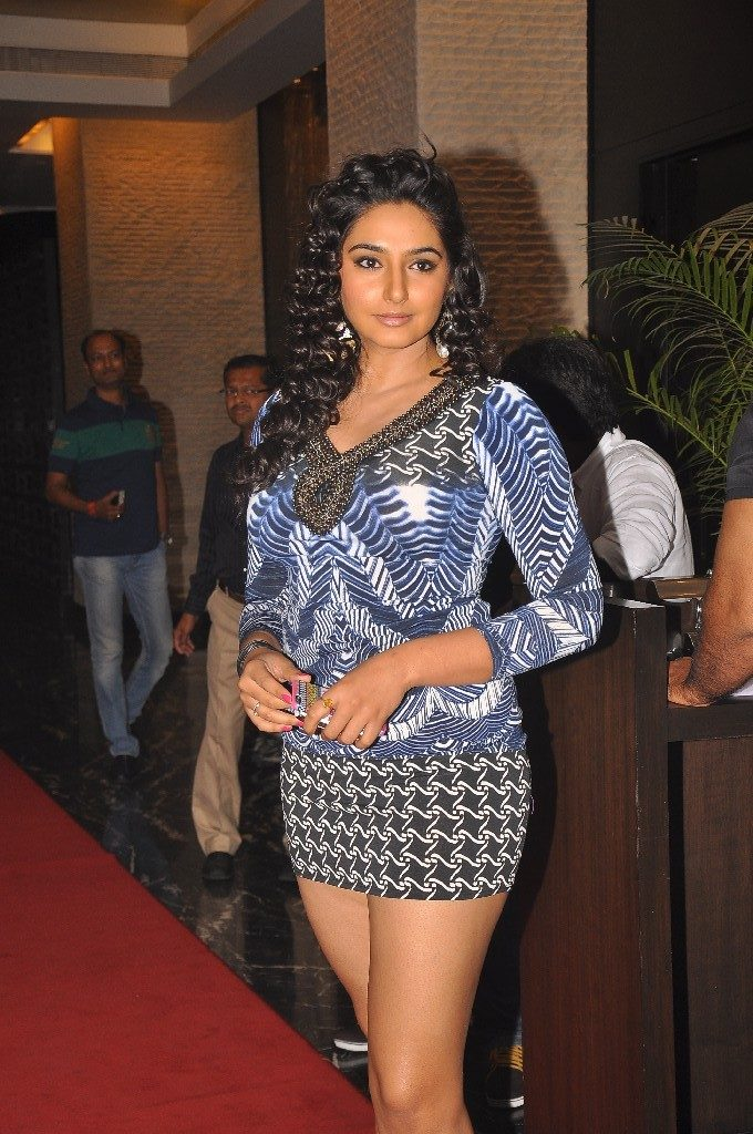 Ragini Dwivedi In Shorts Photos