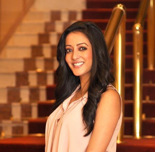 Raima Sen Cute Smile Pics Gallery
