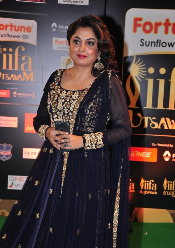 Ramya Krishnan In Salwar Kameez Pics At Awards Show