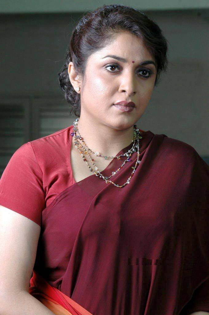 Ramya Krishnan In Saree Pics Download