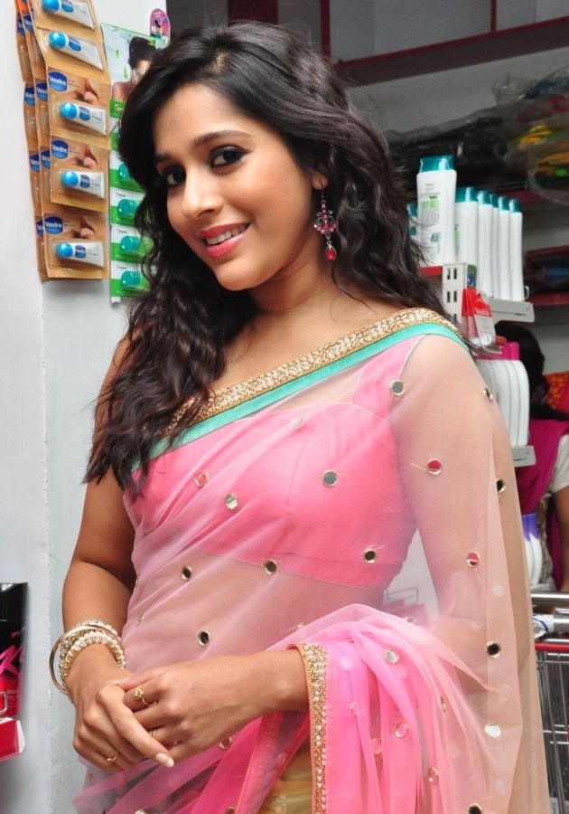 Rashmi Gautam Navel Pics Saree Photos