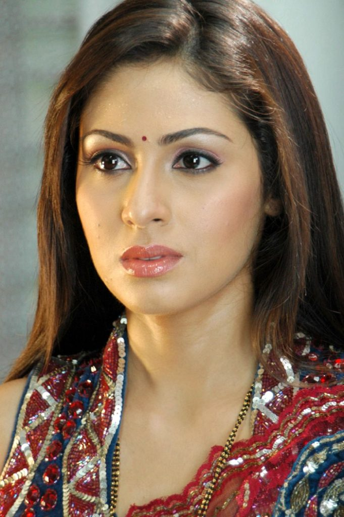 Sadha New Hair Style Images