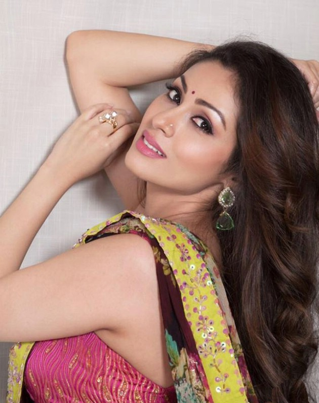 Sadha Sexy Pictures